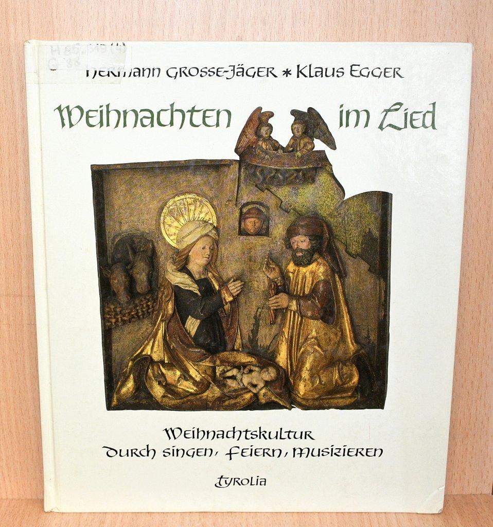 2.12 / 30.12.2018 Книжная выставка «Die Weihnachtsgeschichte / Рождественская история»